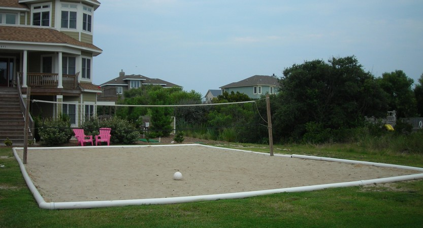 Backyard Sand Volleyball Court : Outdoor Sand Volleyball Court Installation on the Outer Banks
